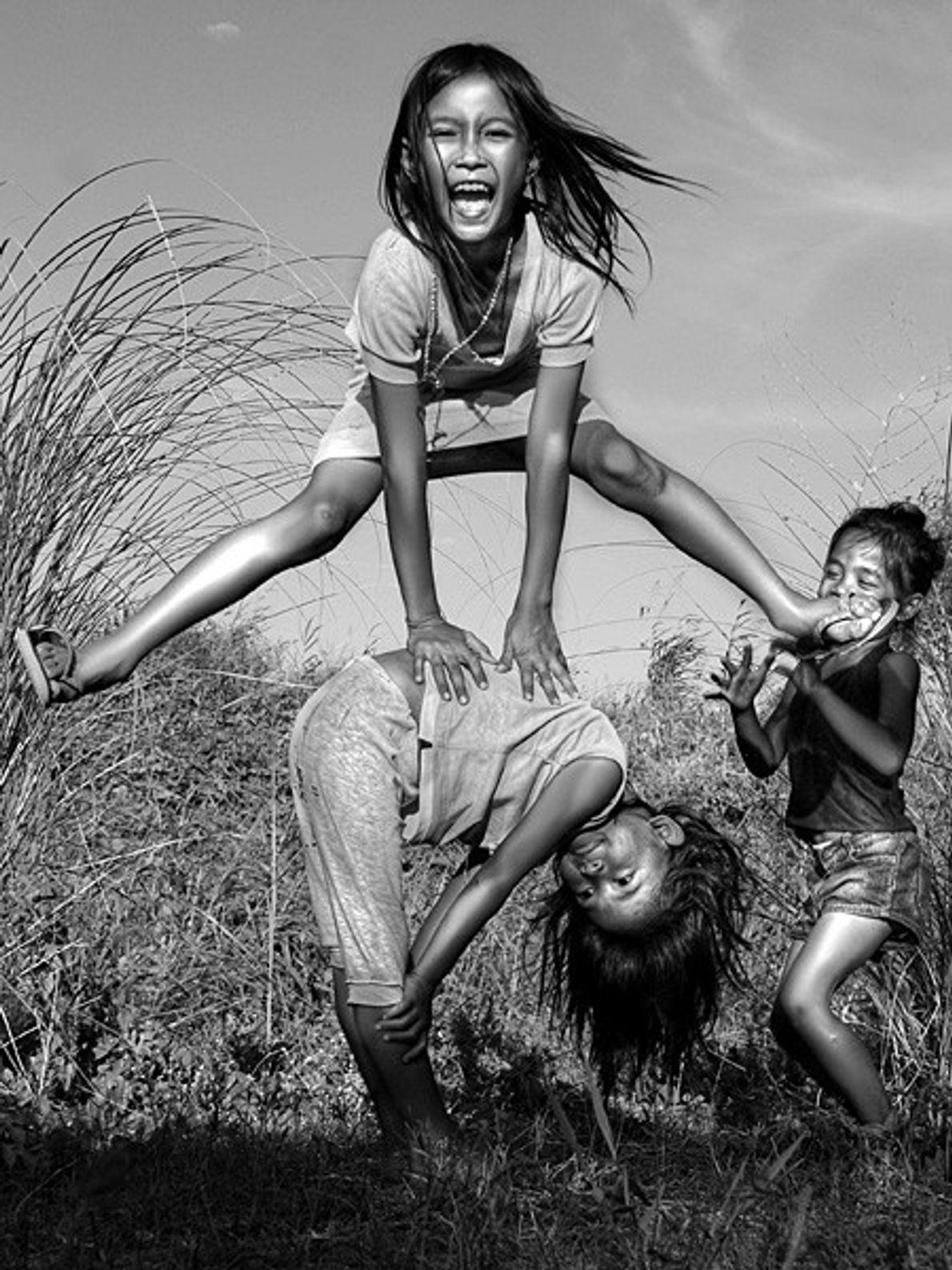 Crianças a Brincar, Filipinas