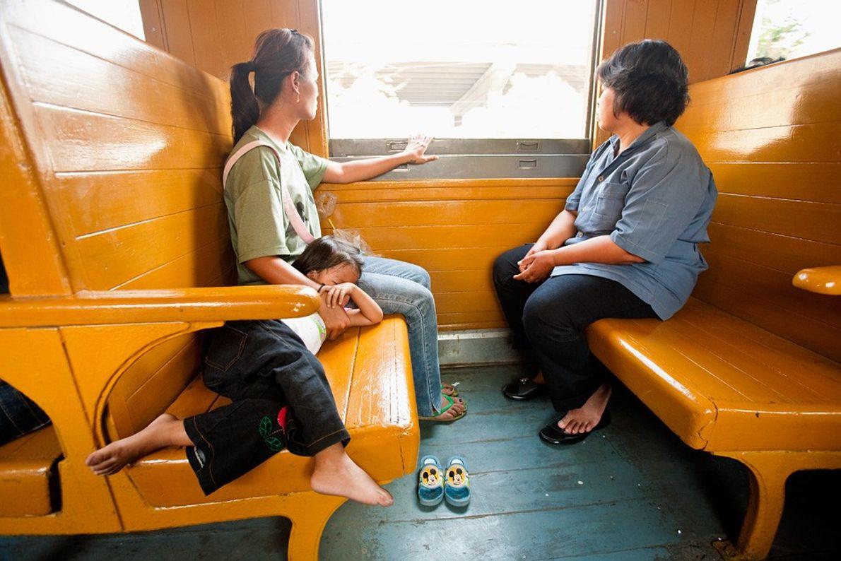 Comboio, Banguecoque Contraluz