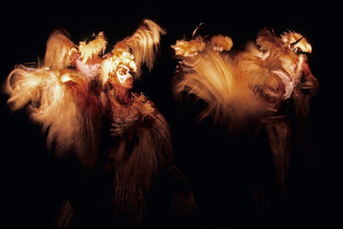 Bailarinos Tribais, Samoa Ocidental Fontes de Luz Criativas