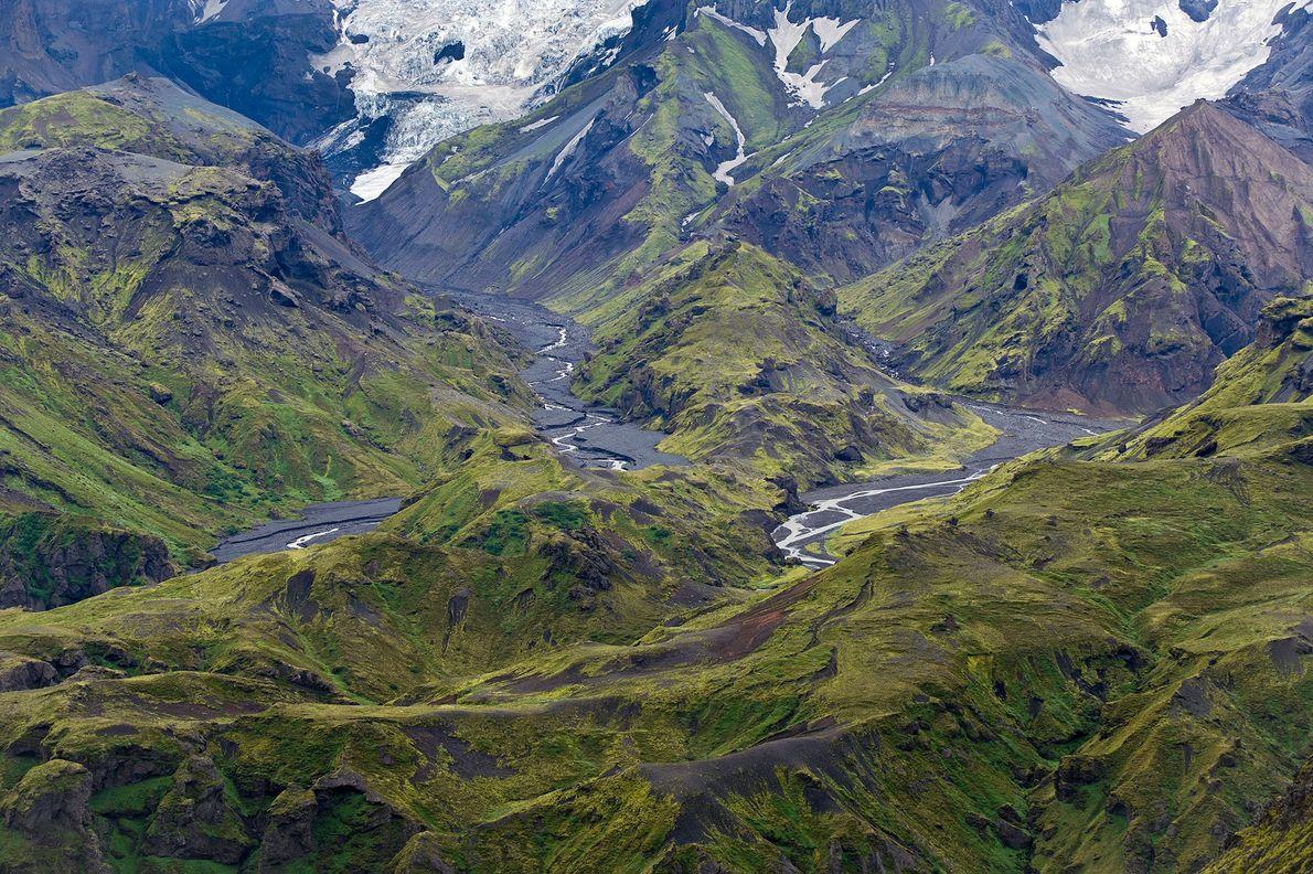 Imagem do Thorsmork Mountain Ridge, com vista para o glaciar Sólheimajökull, Islândia, Europa
