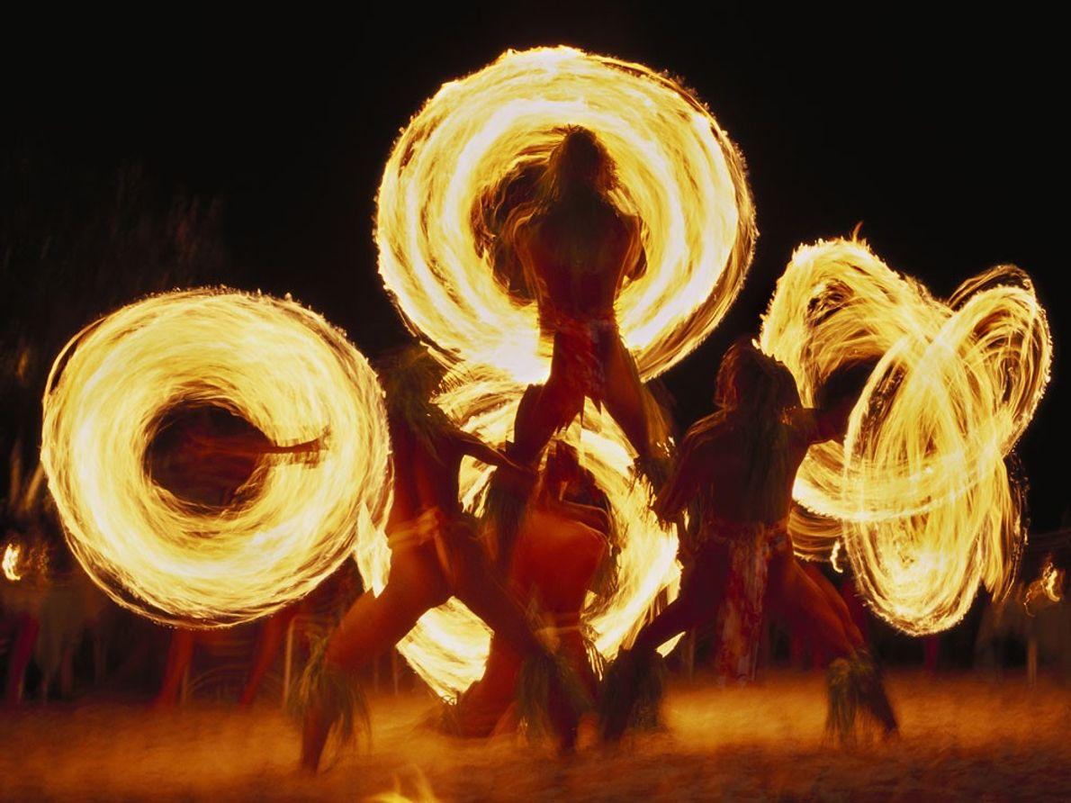Dançarinos de Fogo, Bora Bora