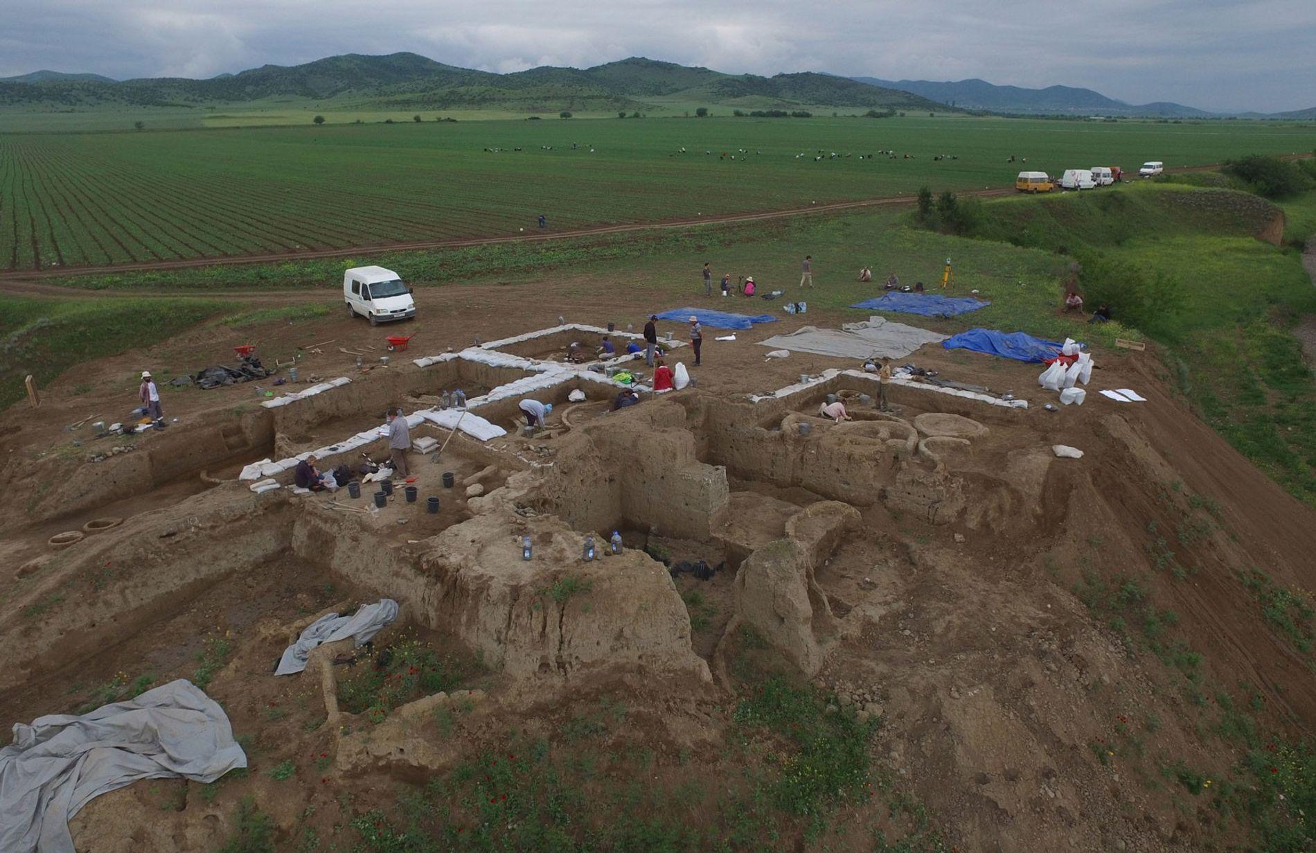 Produção de Vinho em Aldeia Neolítica na Georgia