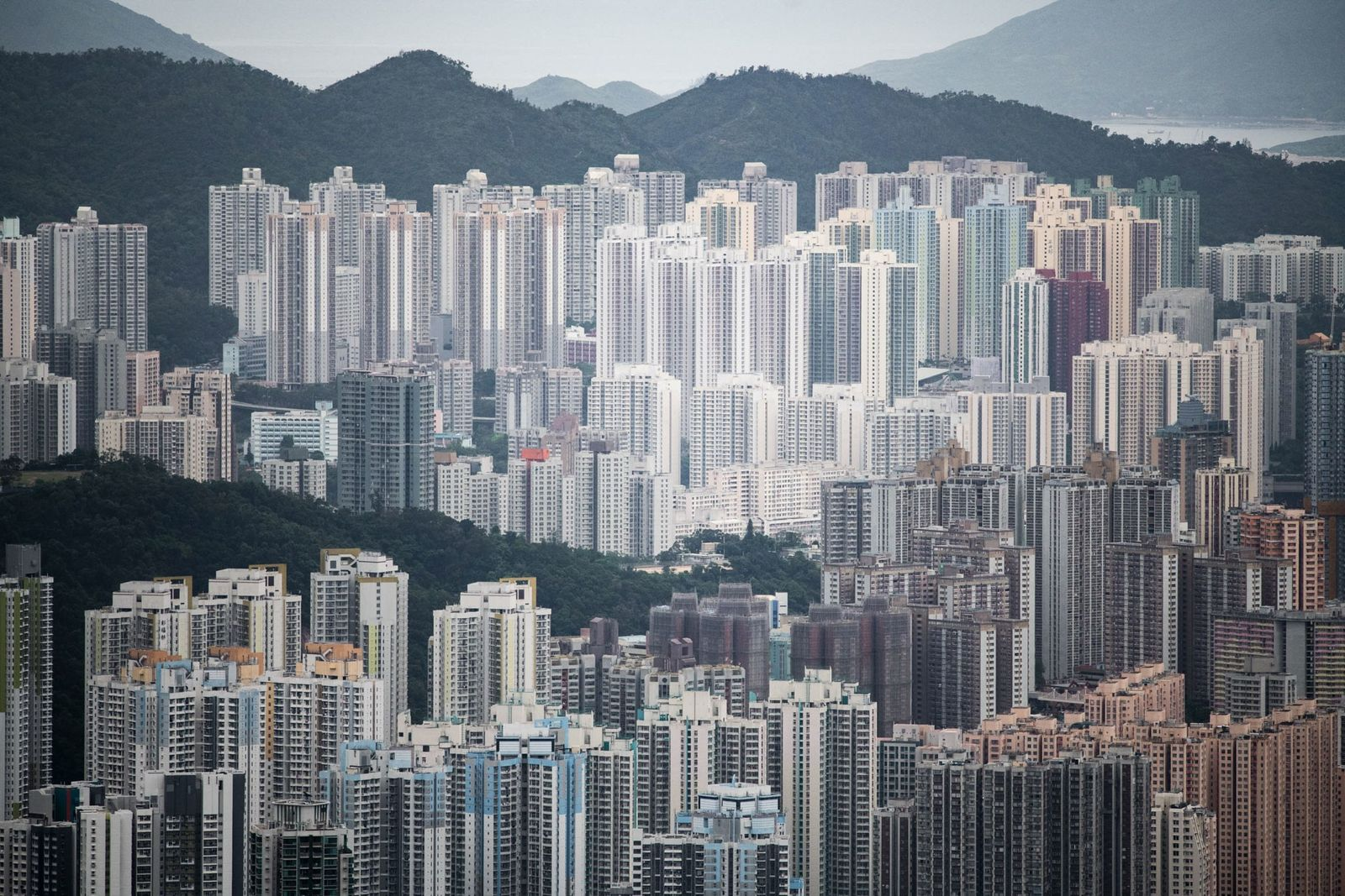 """Kowloon vista do cume da montanha Lion Rock em Hong Kong. O """"Espírito de Lion Rock"""" ..."""