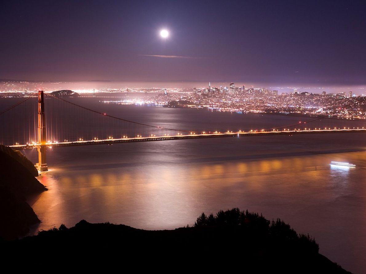 Golden Gate Bridge, California Use Software de Astronomia para Planear Antecipadamente