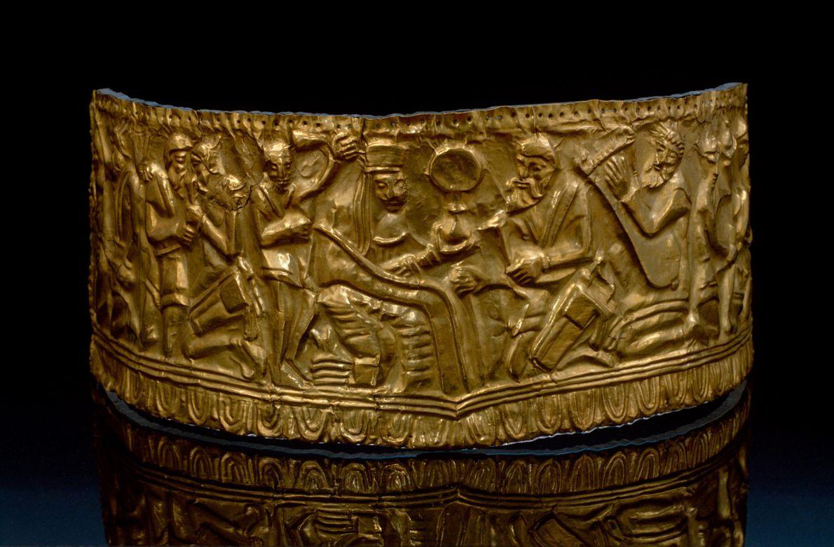 Antigo diadema em ouro