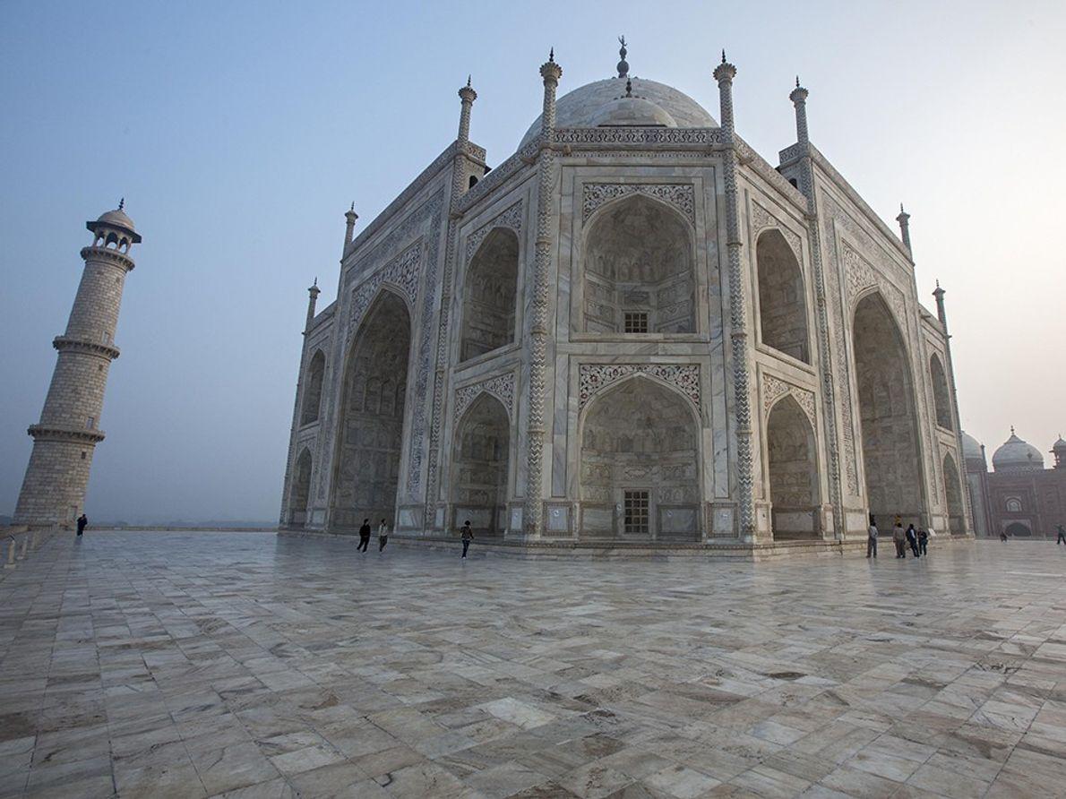 O Taj Mahal ao Nascer do Sol