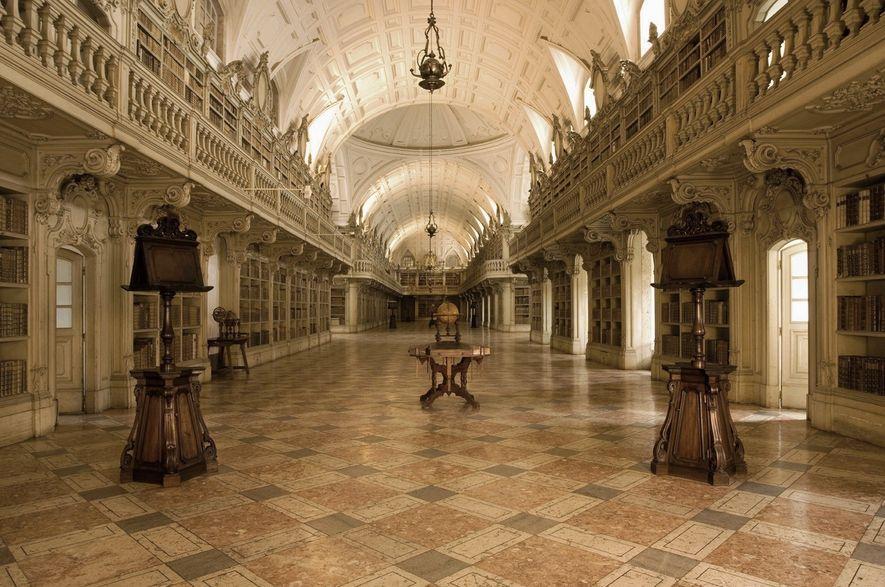 Biblioteca do Palácio Nacional de Mafra.