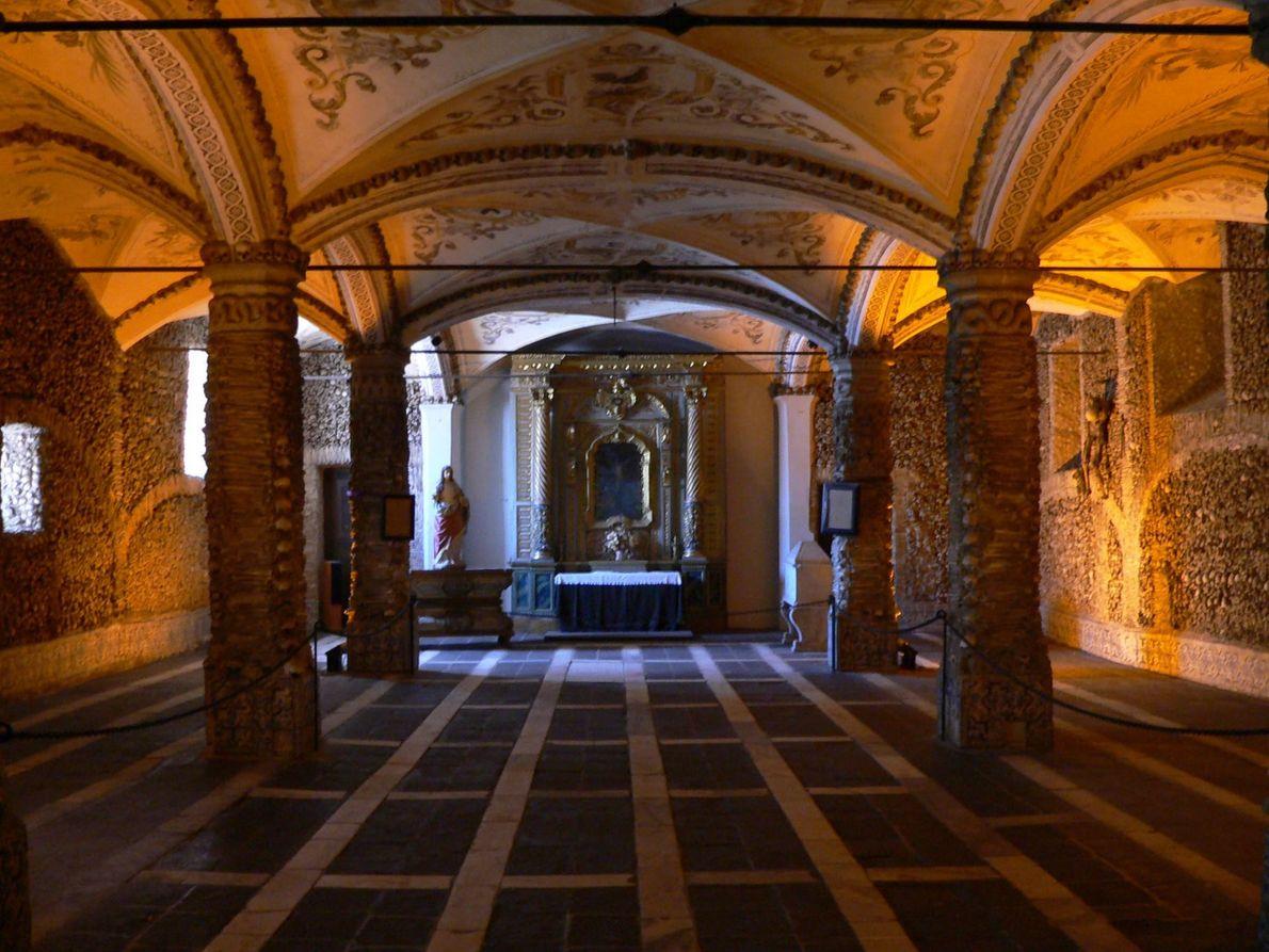 Capela dos ossos em Évora, Portugal