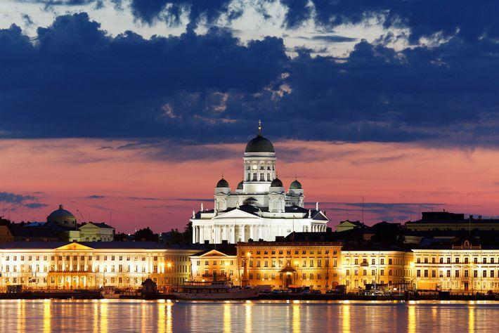 Panorâmica do Porto de Helsínquia, na Finlândia
