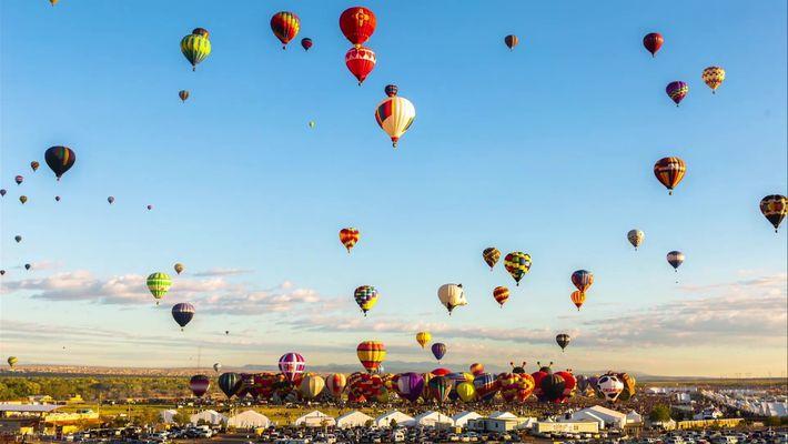 Timelapse Colorida de Balões de Ar Quente no México