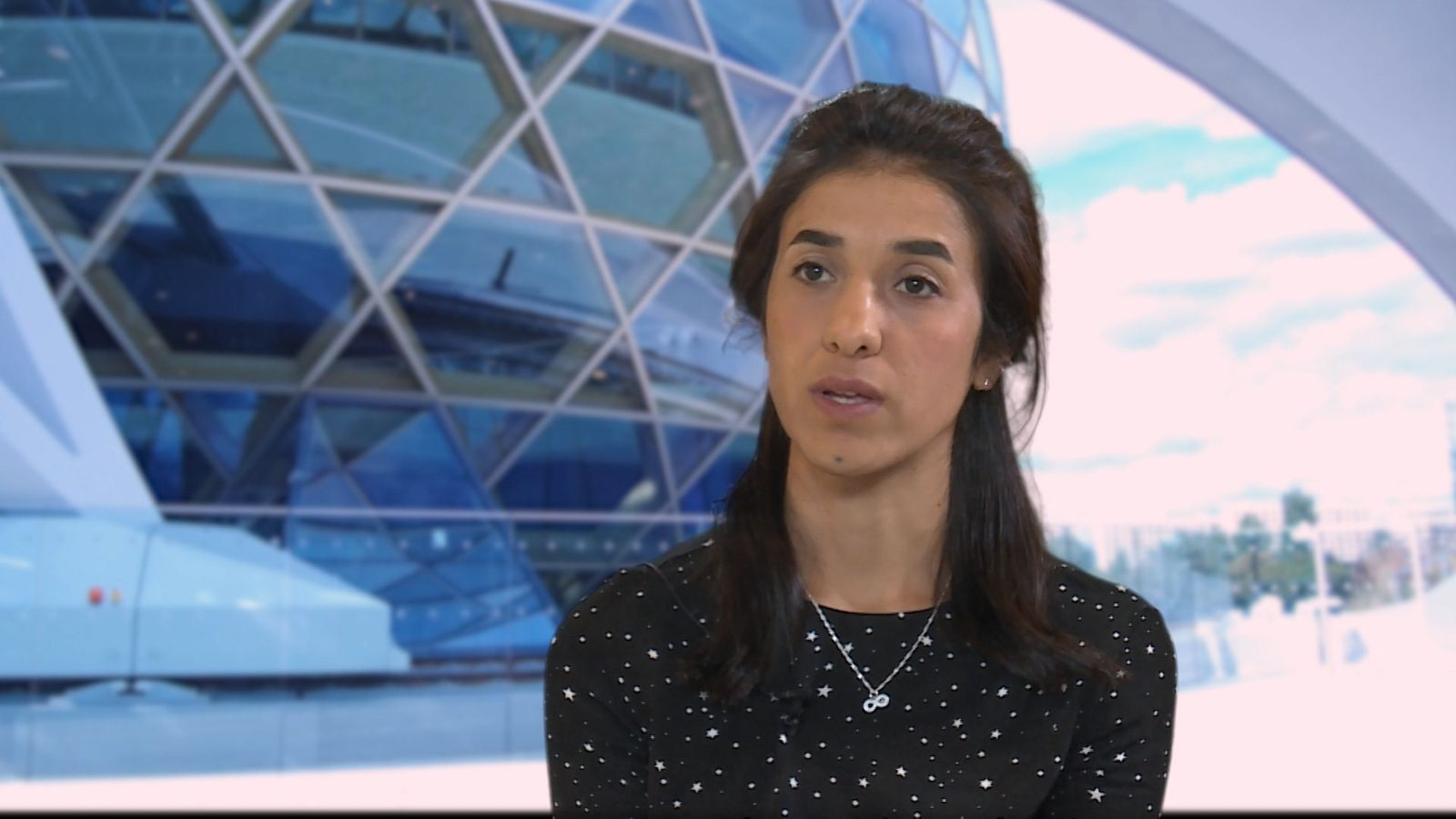 Entrevistámos Nadia Murad, Prémio Nobel da Paz