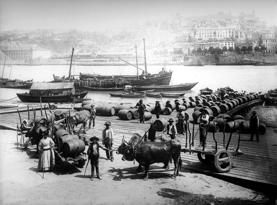Pipas de vinho, cais de Gaia, Ribeira do Porto