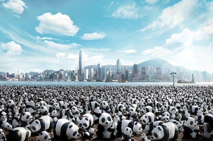 Instalação de arte com 1600 pandas