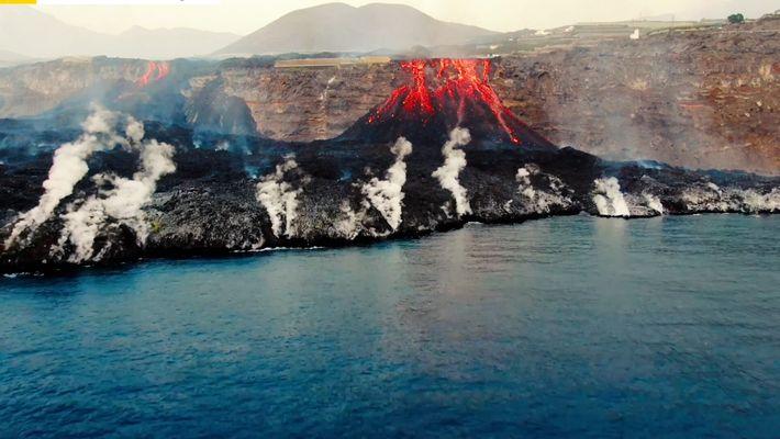 Imagens da lava no vulcão de La Palma registadas por um drone