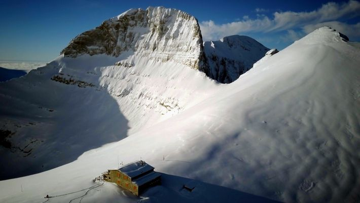 A peregrinação anual pela neve impenetrável do Refúgio do Monte Olimpo
