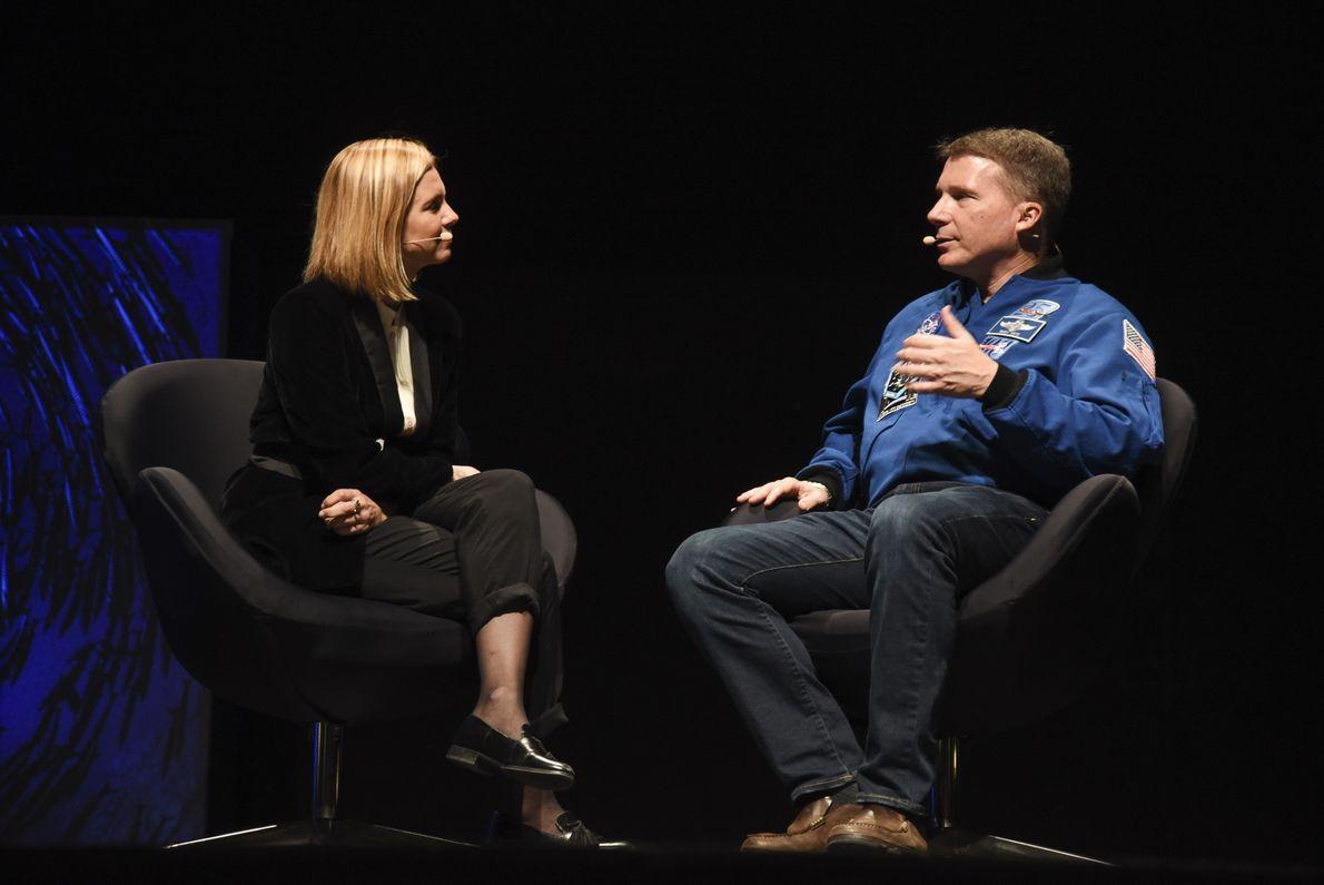 Mariana van Zeller e Terry Virts no National Geographic Summit 2018