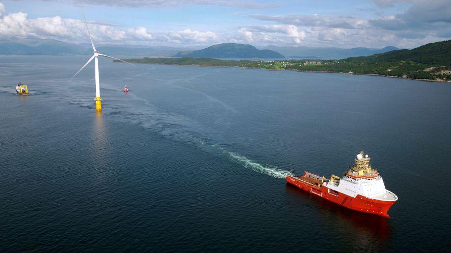 Veja o primeiro parque eólico flutuante do mundo em alto mar