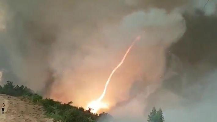 Veja um Tornado de Fogo Formar-se Num dos Incêncios deste Verão