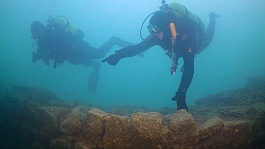 Descobertas Ruínas de uma Fortaleza no Fundo de um Lago na Turquia