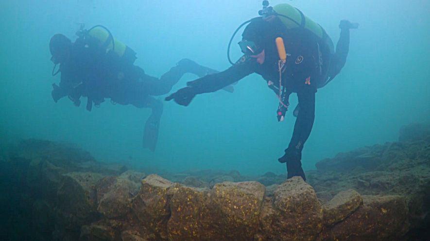 A Descoberta de Uma Fortaleza Subaquática na Turquia