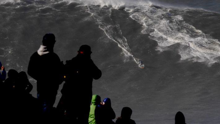Esta é a maior onda alguma vez surfada