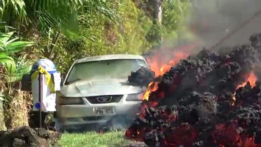 Lava de Vulcão no Havai Avança em Direção a Povoação