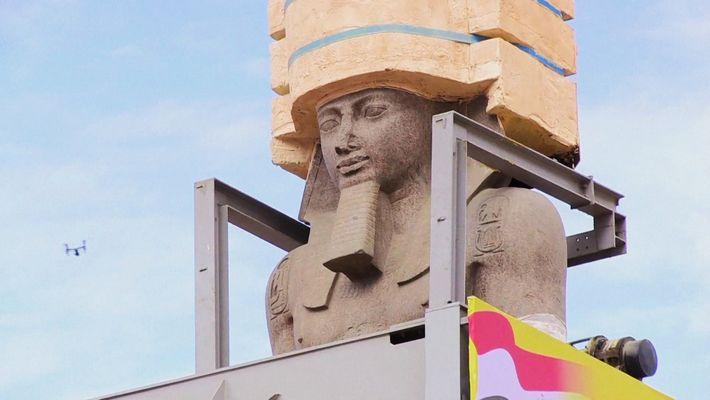 Estátua Gigante de Ramsés II Movida Para o Grande Museu Egípcio