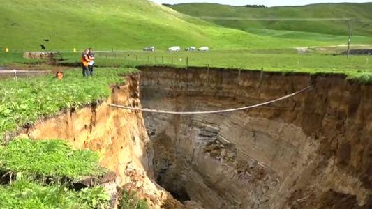 Veja o Vídeo de uma Fenda Gigante que se Abriu na Nova Zelândia