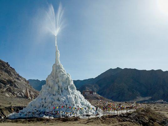 """As """"Pirâmides de Gelo"""" Que Poderão Regar os Himalaias"""