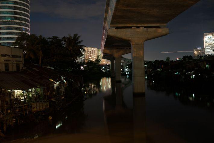 Estrutura ferroviária de superfície em Ho Chi Minh