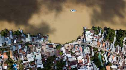 Imagens Dramáticas de Como a Extração de Areia Ameaça a Vida na Ásia