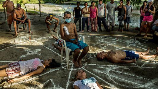 Pacientes Desesperados na Venezuela Procuram Curas Espirituais