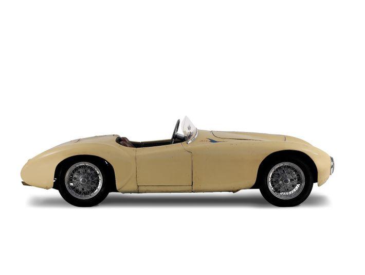 O primeiro Alba foi desenhado e construído no ano de 1952, em Albergaria-a-Velha.