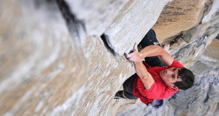 Alex Honnold escala o El Capitan, sem corda ou equipamento de segurança, tornando-se na primeira pessoa ...