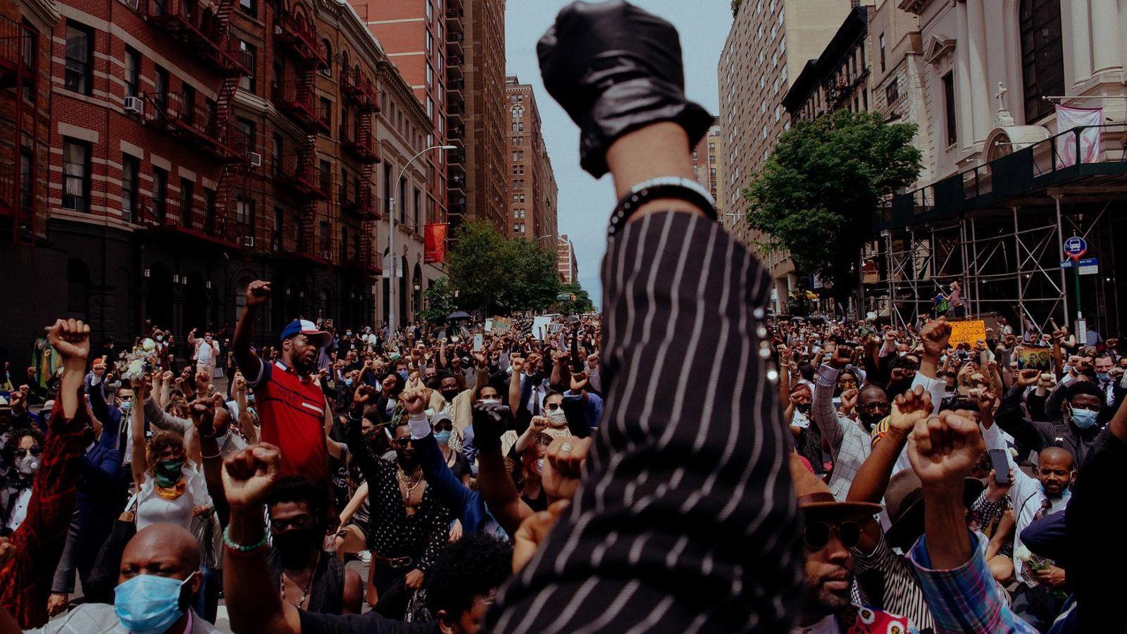 No dia 4 de junho de 2020, em oposição à brutalidade policial e à morte de ...