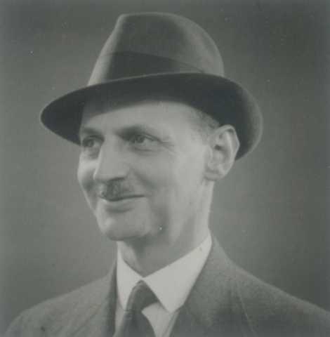 Dos oito judeus presos no dia 4 de agosto de 1944, o pai de Anne, Otto ...
