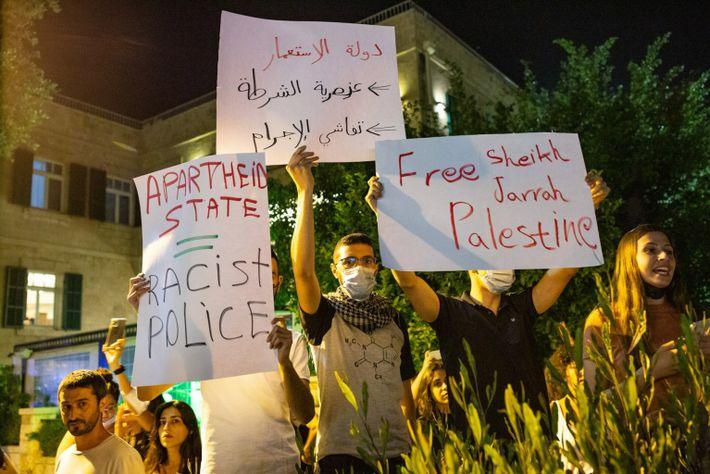 Manifestações de palestinianos contra as ações israelitas em Jerusalém