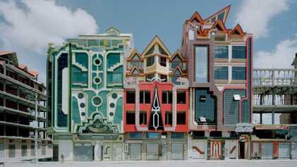 Fotografias de Casas Futuristas, com Cores Vibrantes, na Bolívia