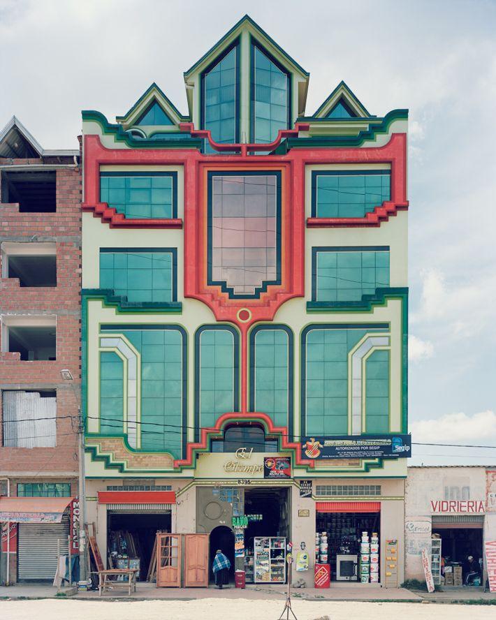 Edifício desenhado por Mamani.