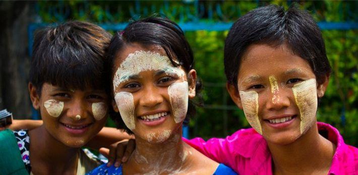População de Myanmar (ex-Birmânia).