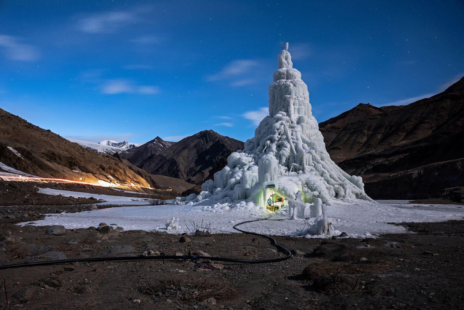 Uma Forma de Combater as Alterações Climáticas: Criar os Próprios Glaciares.