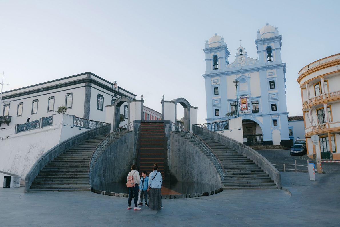 A Igreja da Misericórdia, catedral do século XVIII e uma das atrações turísticas de Angra do ...