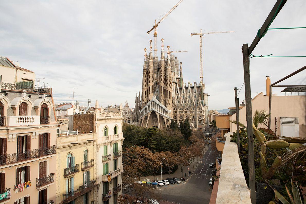 BARCELONA, ESPANHA Razões para ir: Espanha foi um dos primeiros países a legalizar o casamento entre pessoas ...