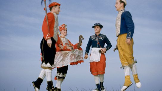 Dançarinos tradicionais bascos numa fotografia da National Geographic tirada na década de 1950.