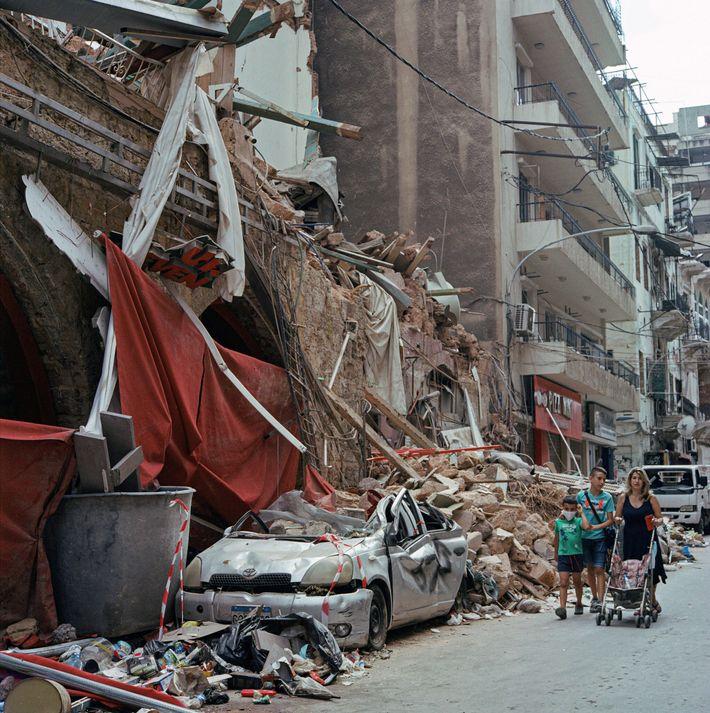 Um prédio em ruínas no bairro de Mar Mikhael, em Beirute, no Líbano, depois de um ...