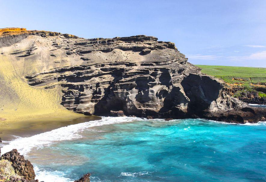 PRAIA DE GREEN SAND, PAPAKŌLEA, HAVAICalçado resistente e garrafas de água são uma necessidade, quando se …