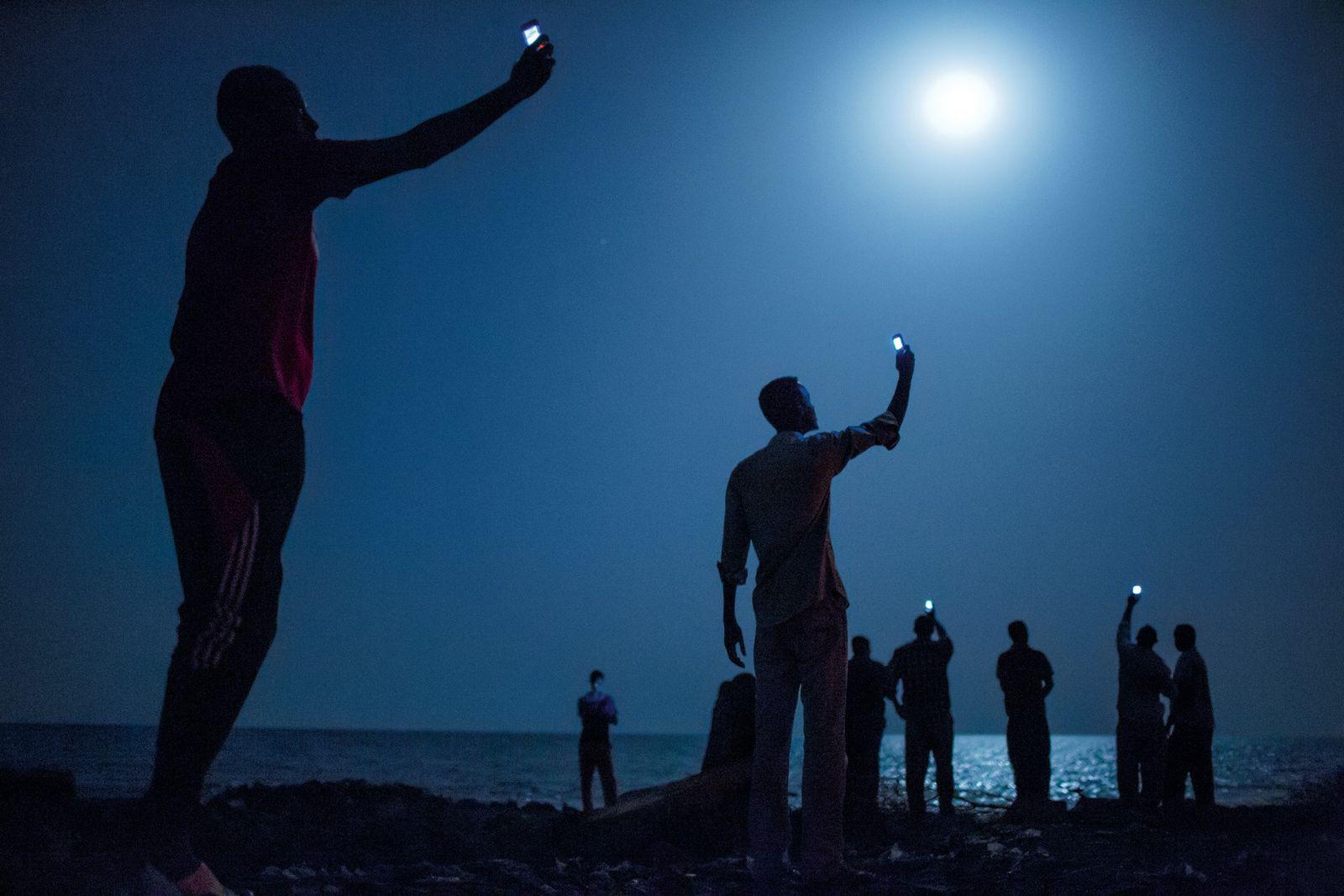 DJIBOUTI – No início de 2013, Paul Salopek, escritor da National Geographic, deu literalmente os primeiros ...