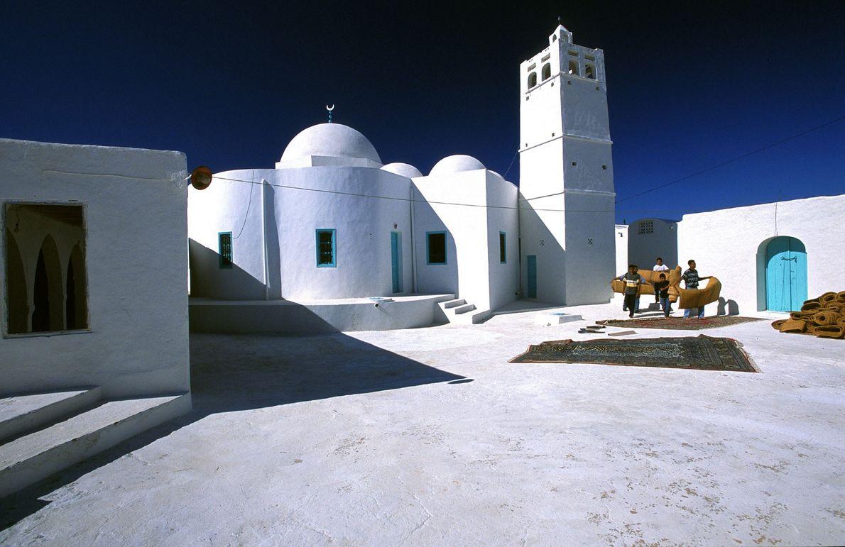 Locais arqueológicos sem paralelo, praias glamorosas e uma gastronomia rica fazem da Tunísia um local magnífico ...