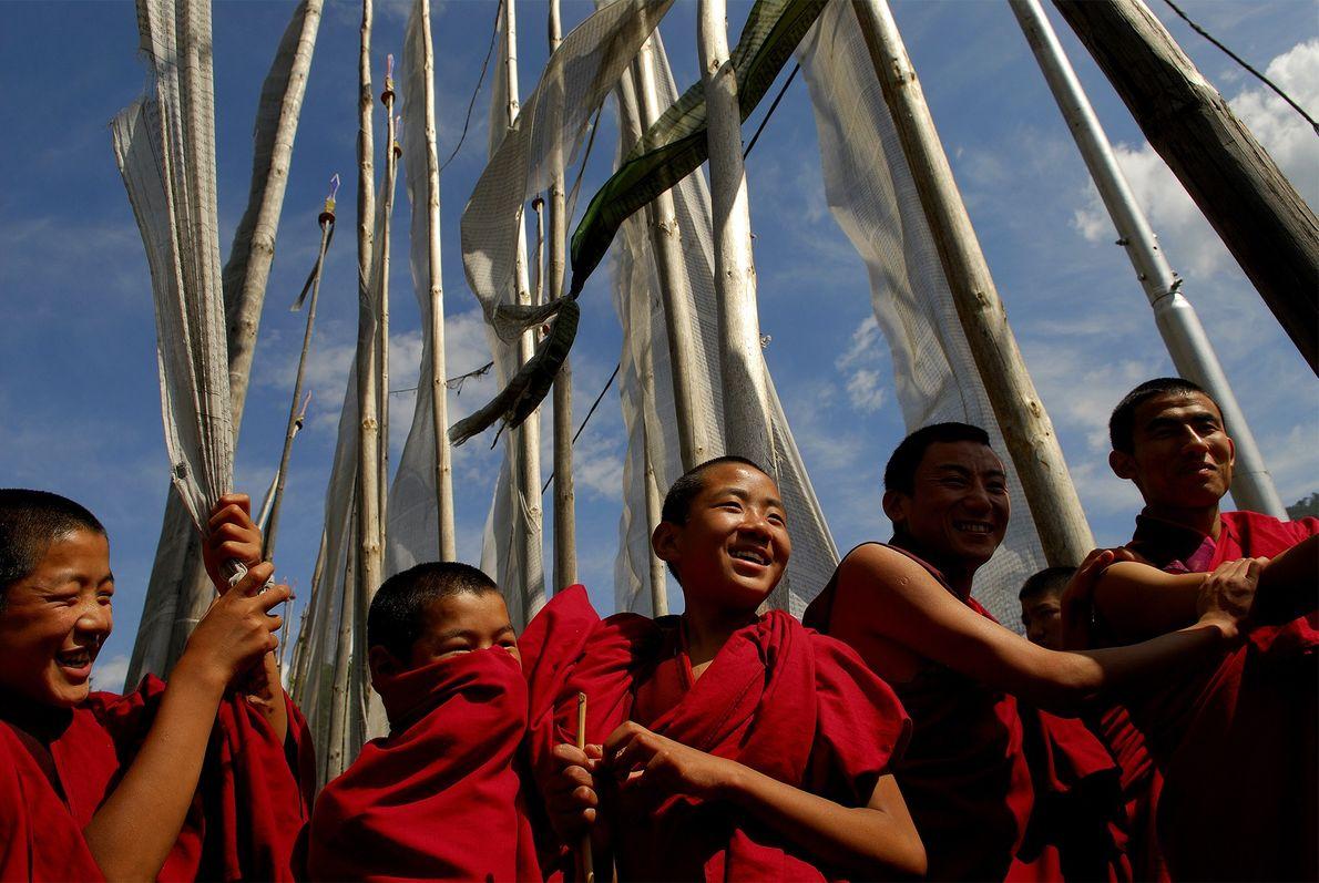 Jovens monges no Butão