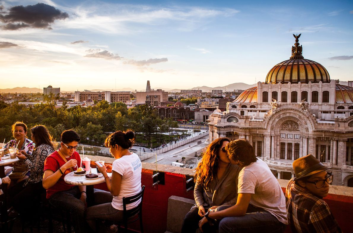 Clientes do Café de la Gran Ciudad.